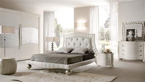 comodini argento da letto di fiori