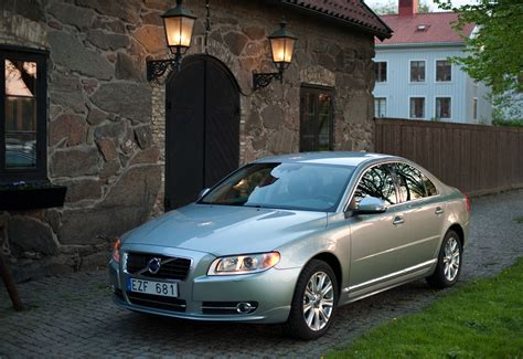 volvo recalls    sedans  transmission
