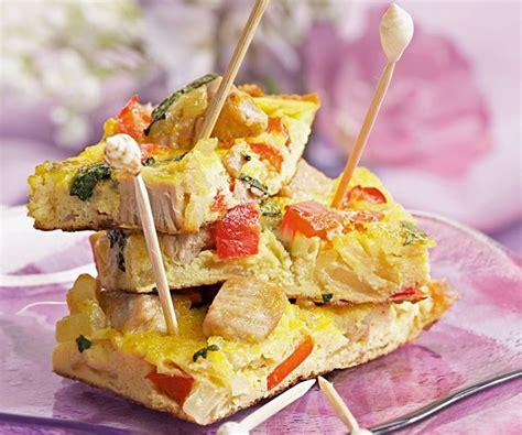 cyril lignac cuisine la tortilla au thon et poivron une recette du chef lignac