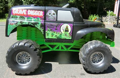 wheels grave digger monster truck grave digger power wheels monster truck fisher price
