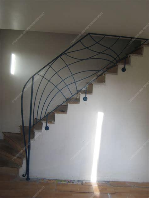 Rampes D'escalier En Fer Forgé Art Nouveau  Modèle Vagues
