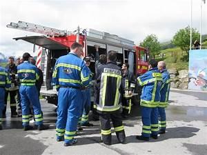 Feuerwehr Jobs Im Ausland : feuerwehrfahrzeug im b ndnerland bergeben leserbeitrag ~ Kayakingforconservation.com Haus und Dekorationen