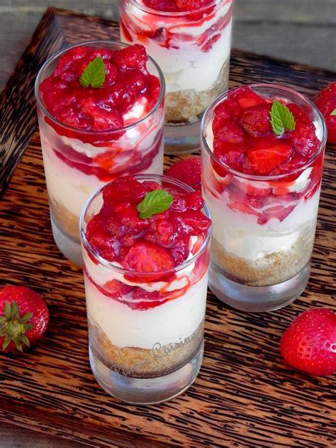 aux fraises cuisine verrine cheesecake aux fraises une plume dans la cuisine