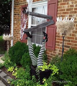 halloween, witches, legs, front, yard, d, u00e9cor, diy