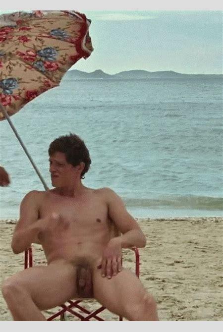 Italian actor Matteo Martari naked in Le Redoutable (2017).