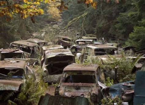 11 Vehicle Cemeteries That Are Way Eerier Than Any Human