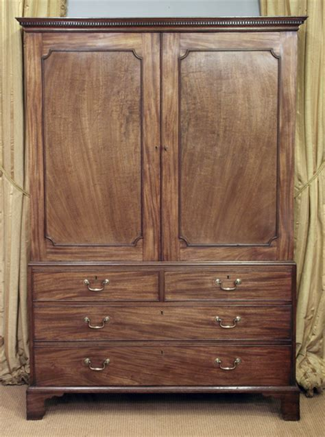 Georgian mahogany linen press / Antique wardrobe, antique