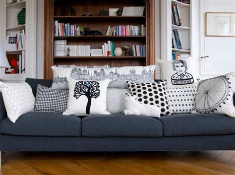 coussin pour canape noir id 233 e d 233 co salon avec des coussins de canap 233 d 233 cor salon marocain