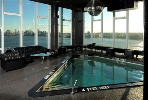 new york hotel with tub on pin it