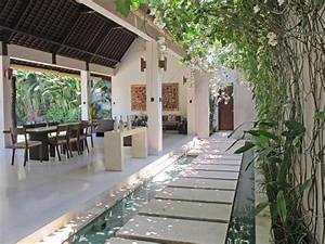 poser ses valises a bali dans la villa chocolat a voir With entree de maison design 8 maison contemporaine avec piscine interieure apla