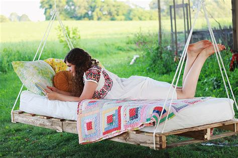 diy outdoor hanging bed diy pallet swing bed 187 the merrythought