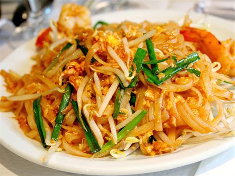 cuisine thailandaise poulet pairings what to drink with pad serious eats