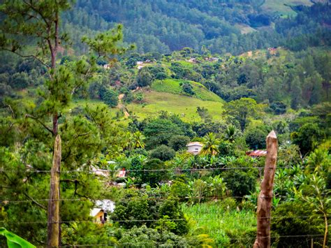 Mountain side villages - Honduras | On the road between ...