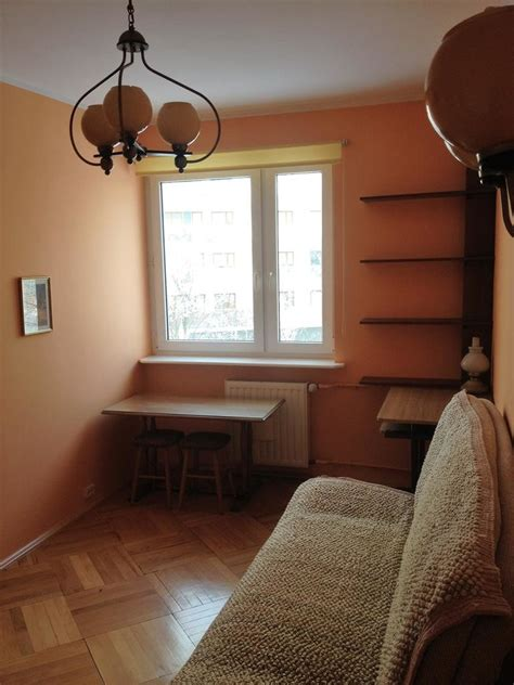 spacious  bedroom apartment close  imielin underground