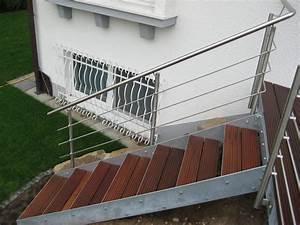Stahltreppe Mit Holzstufen : kromm metallbau treppen in verschiedenen ausf hrungen und formen ~ Orissabook.com Haus und Dekorationen