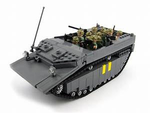 Brickmania U2019s New Ww2 Pacific Amphibious Landing Diorama