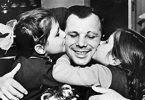 Yuri Gagarin: The First Man in Space – 60 Everyday Photos ...