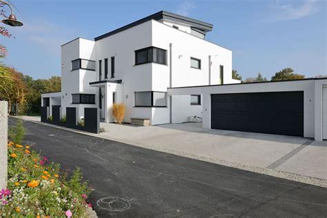 Haus Mit Doppelgarage by Fertiggaragen Aus Beton