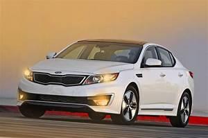 2012 Kia Optima Hybrid Review, Specs, Pictures, Price & MPG