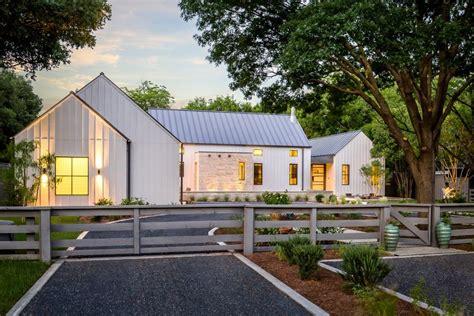 modern farmhouse exterior lighting modern farmhouse design ideas exterior farmhouse with