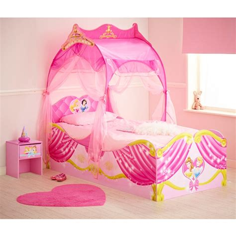 chambre carrosse 7 best disney princess playhouses images on