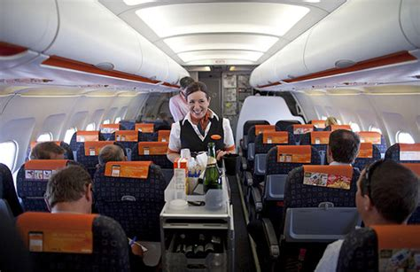 Easy Jet Cabin Crew Easyjet Crew Get These Perks When Flying For The Budget