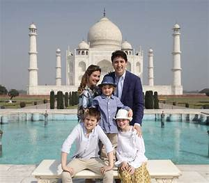 Canadian PM Justin Trudeau visits Taj Mahal with family ...