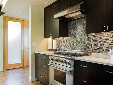 Painting Kitchen Cabinets By Yourself Ideas To Paint A Kitchen Storage For Pots And Pans Countertops Backsplash Central Island Canada Small Dining Design Decoration Timer
