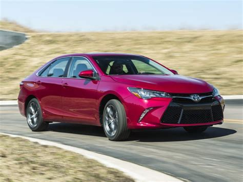 2016 Toyota Camry Styles & Features Highlights