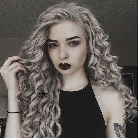 haarfarbe grau blond grau lockige synthetische per 252 cke sny068 grau lockig