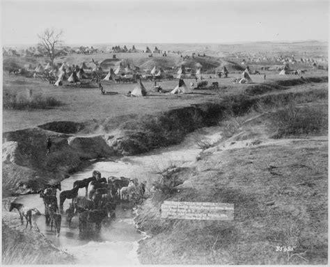 """File:""""Villa of Brule. The great hostile Indian camp on ..."""