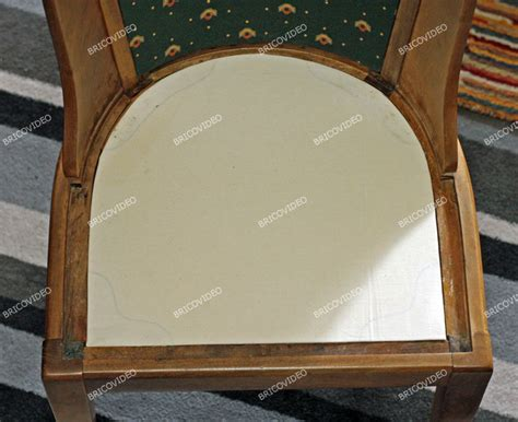 refaire l assise d une chaise en bois bricolage restauration d 39 une chaise en bois refaire assise dossier et pose du tissu