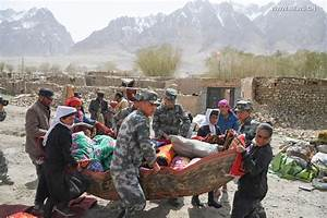Rescuers work at quake-hit county in NW China's Xinjiang ...