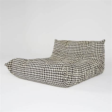 chaise ligne roset alcantara togo chaise lounge by michel ducaroy for ligne