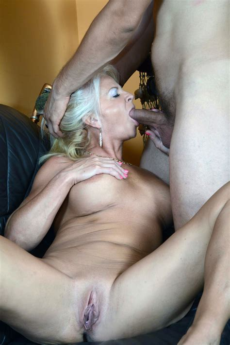 Milf Blowjob Mature Hot Sex