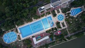 Spectacular Bird's Eye View Of Extraordinary Pools In ...