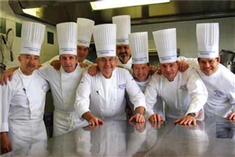 ecole de cuisine ferrandi restaurant luxe magazine gastronomie une formation d