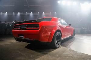 Dodge Challenger Srt Demon 2018 : refreshing or revolting 2018 dodge challenger srt demon motor trend ~ Medecine-chirurgie-esthetiques.com Avis de Voitures