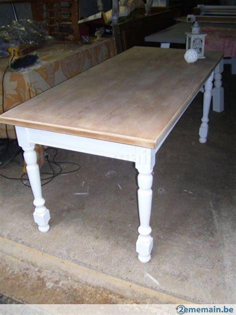 relooker table de cuisine table de ferme patine blanche et bois brut déco cosy