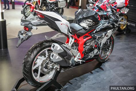 Honda Cbr250rr Image by Why Is The 2018 Honda Cbr250rr Not In Malaysia Yet Image