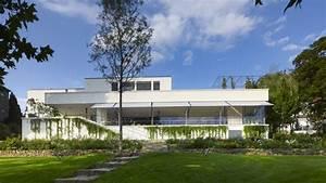 Villa Mies Van Der Rohe : villa tugendhat in brno czech republic by ludwig mies van der rohe tv architect ~ Markanthonyermac.com Haus und Dekorationen