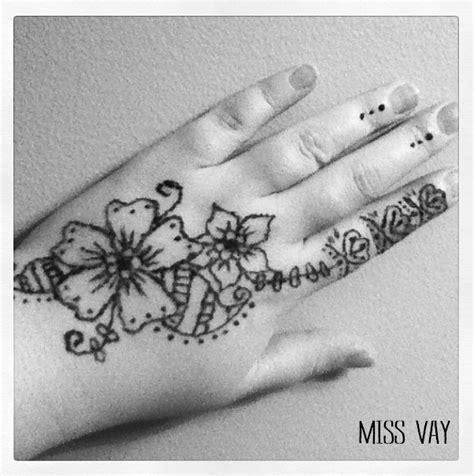 faire son propre tatouage au henne  vay blogue
