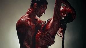 "Adam Levine gets bloody in ""Animals"" music video   Nova 937"