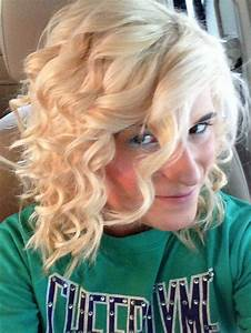Curls For Short Hair Use A Curling Wand HairMakeUp