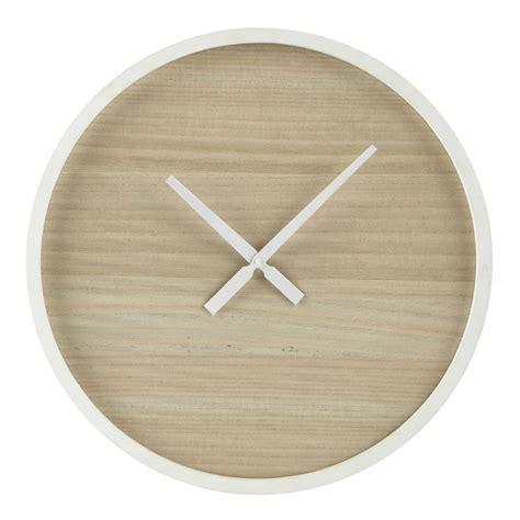 horloge en bois   cm oslo maisons du monde