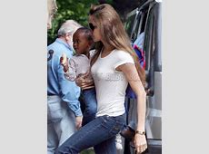 Female Hollywood Stars angelina jolie in jeans