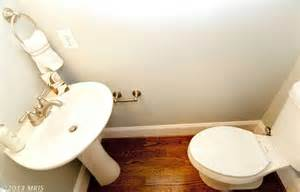 Small Half Bathroom Dimensions