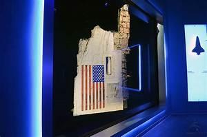 NASA exhibits space shuttles Challenger, Columbia debris ...