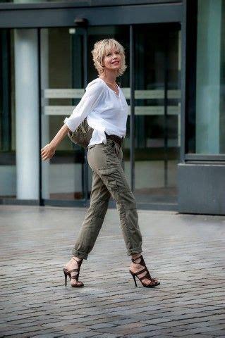 look moderne femme 50 ans les 25 meilleures id 233 es concernant mode femme 50 ans sur femme 50 ans 50 cheveux et