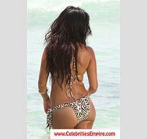 Kourtney Kardashian Oops Butt Flash